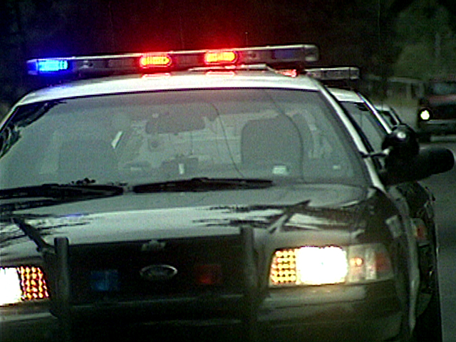 Man robs Atascadero gas station, gets away from police